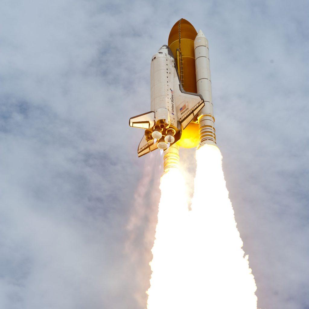 space-shuttle-atlantis-600502